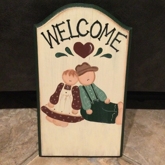 Handcrafted Welcome Amish Boy & Girl Wall Decor